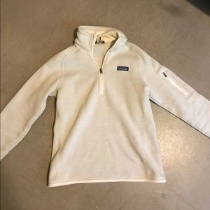 Cream Patagonia sweatshirt size medium